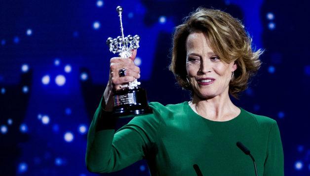 SAN SEBASTIAN, SPAIN - SEPTEMBER 21:  Sigourney Weaver receives Donostia award during 64th San Sebastian Film Festival at Kursaal on September 21, 2016 in San Sebastian, Spain.  (Photo by Juan Naharro Gimenez/WireImage)