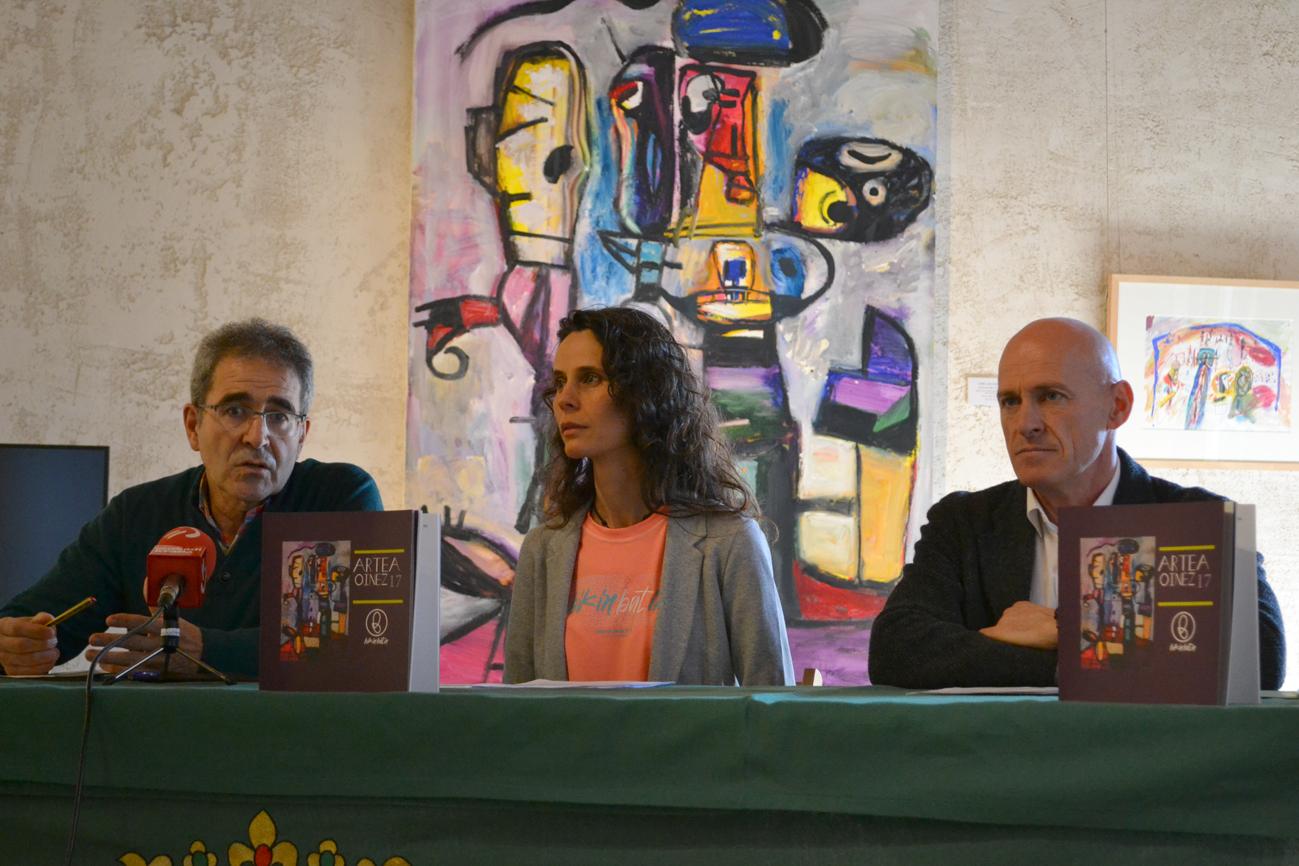 IRRATIEN TARTEA: Artea Oinez, pegatinen memoria eta kontrabandisten udalekuak