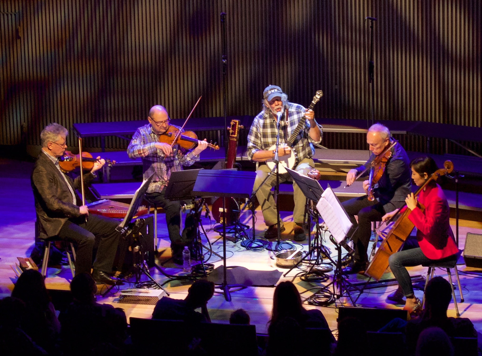 ERRO TA BERRI – Kronos Quartet, Gustavo Santaolalla, Amado Risueño, Las Áñez…