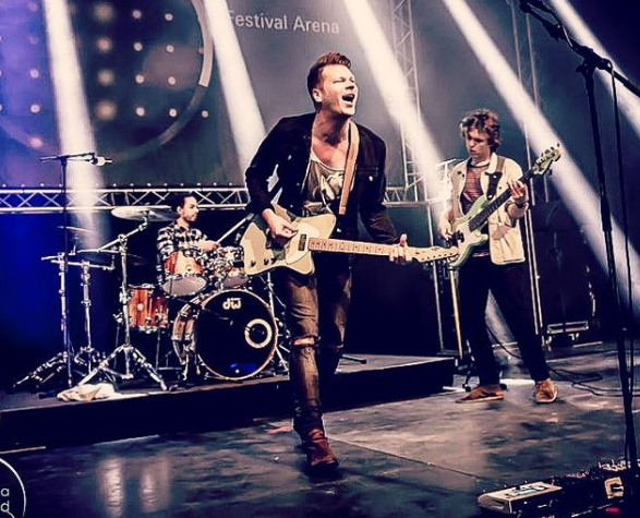 ADI – Casual Friday, rock Alemana!