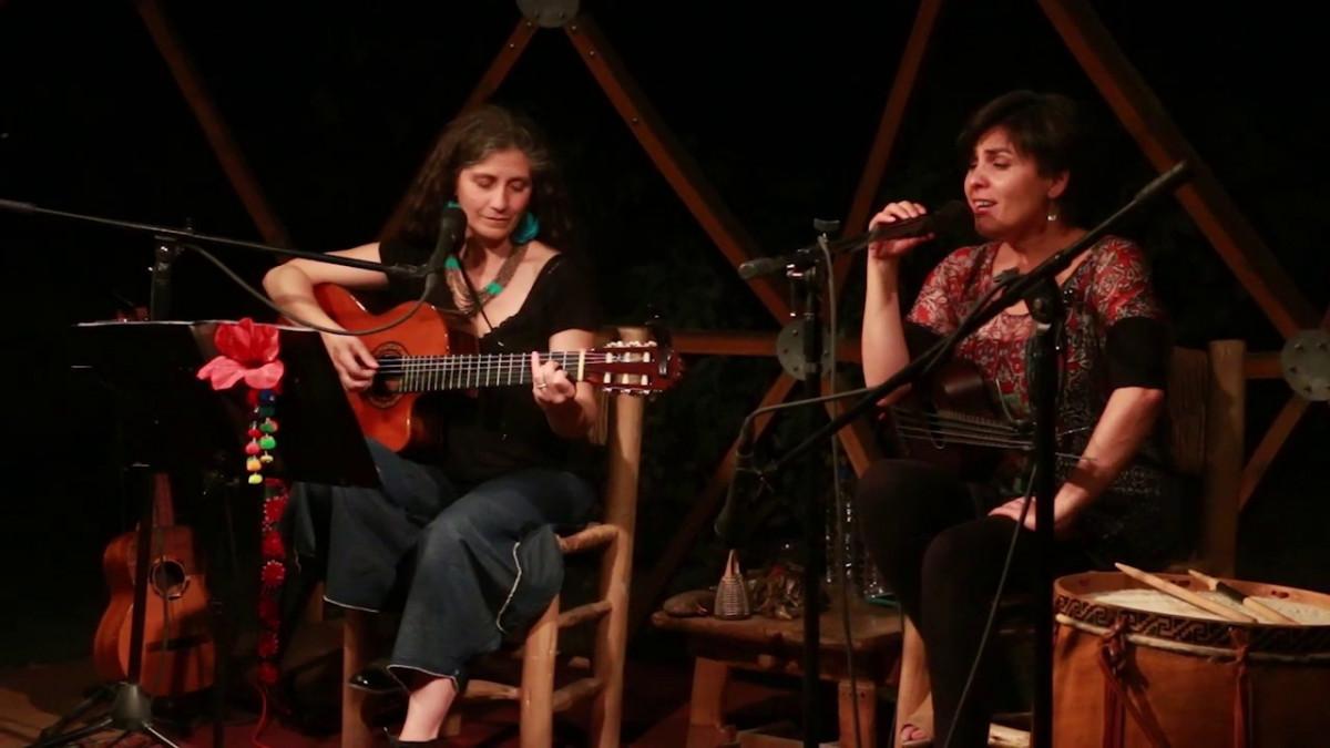Erro ta berri : Elizabeth Morris, La Pájara, Mon Laferte, La Misa Negra…