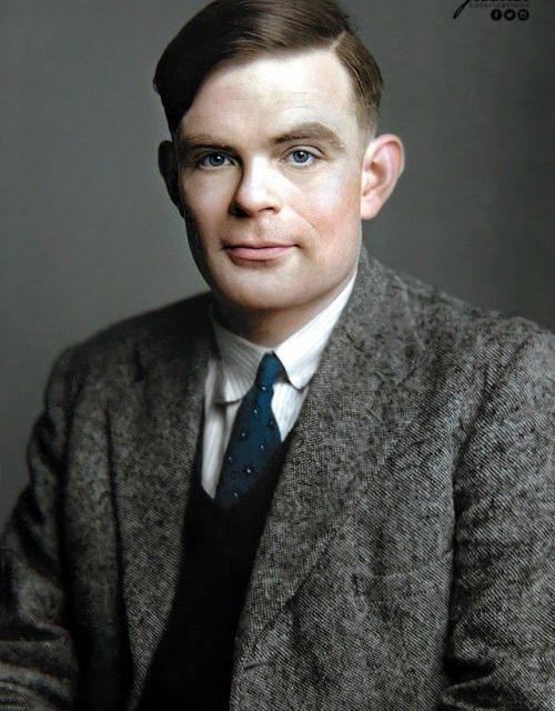GAUR EGUR – Alan Turing