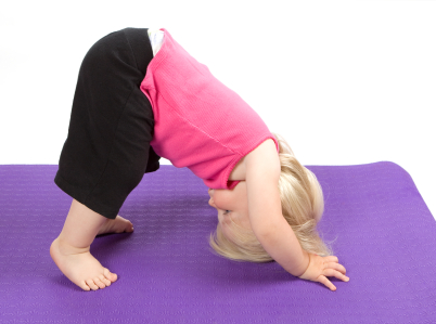 gimnasia-yoga-yoga-ninios-relajarse